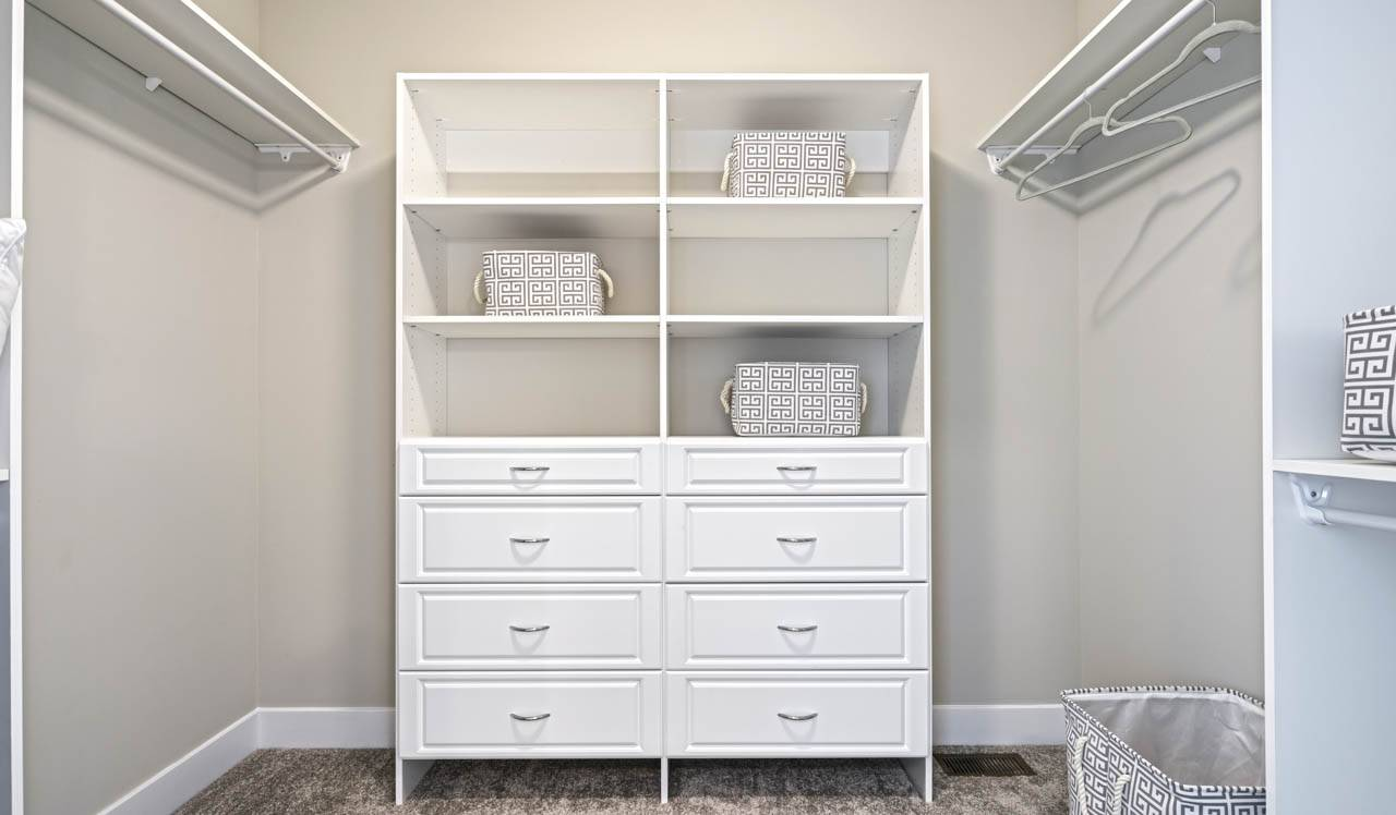 CT-428-owners-closet