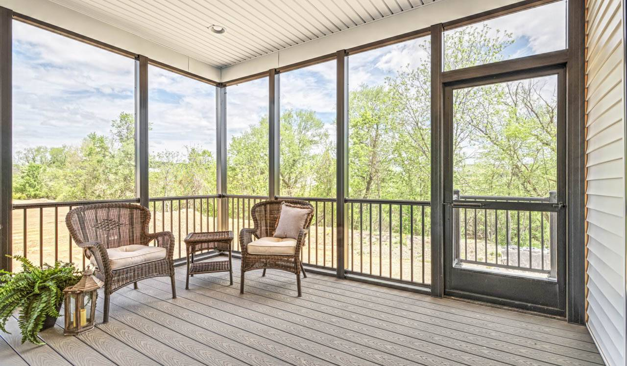 CT-428-screened-in-porch